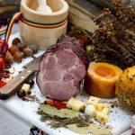 CEAFĂ ŢĂRĂNEASCĂ: Produs fiert și afumat, aromatizat cu condimente naturale.