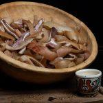 ŞORIC AFUMAT: Produs afumate natural cu lemn de esență tare.